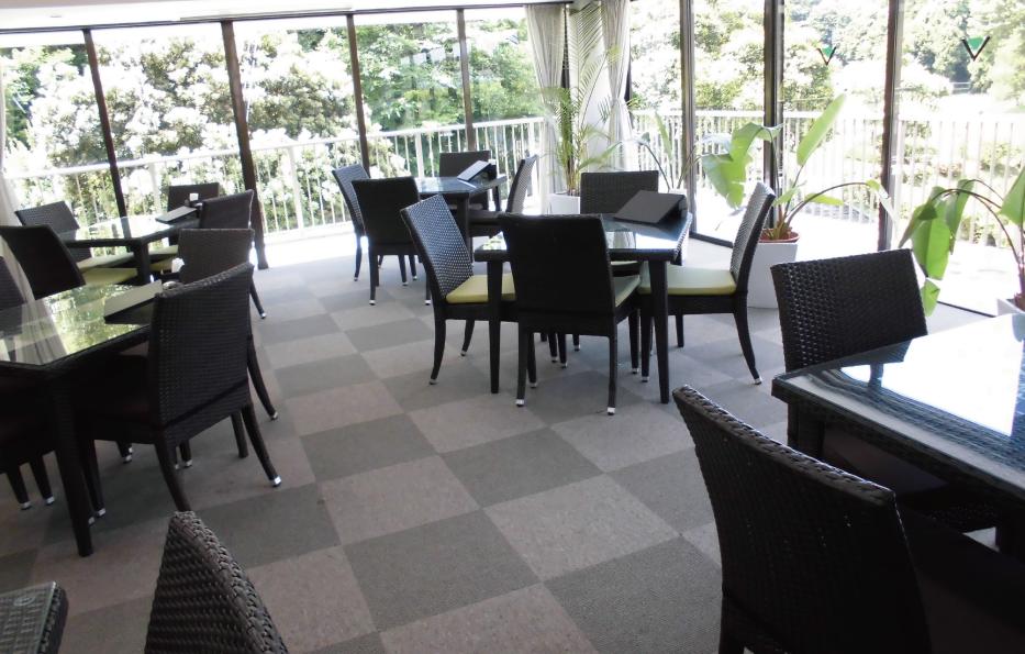 ヨコ933px 各ページ画像-レストラン.png